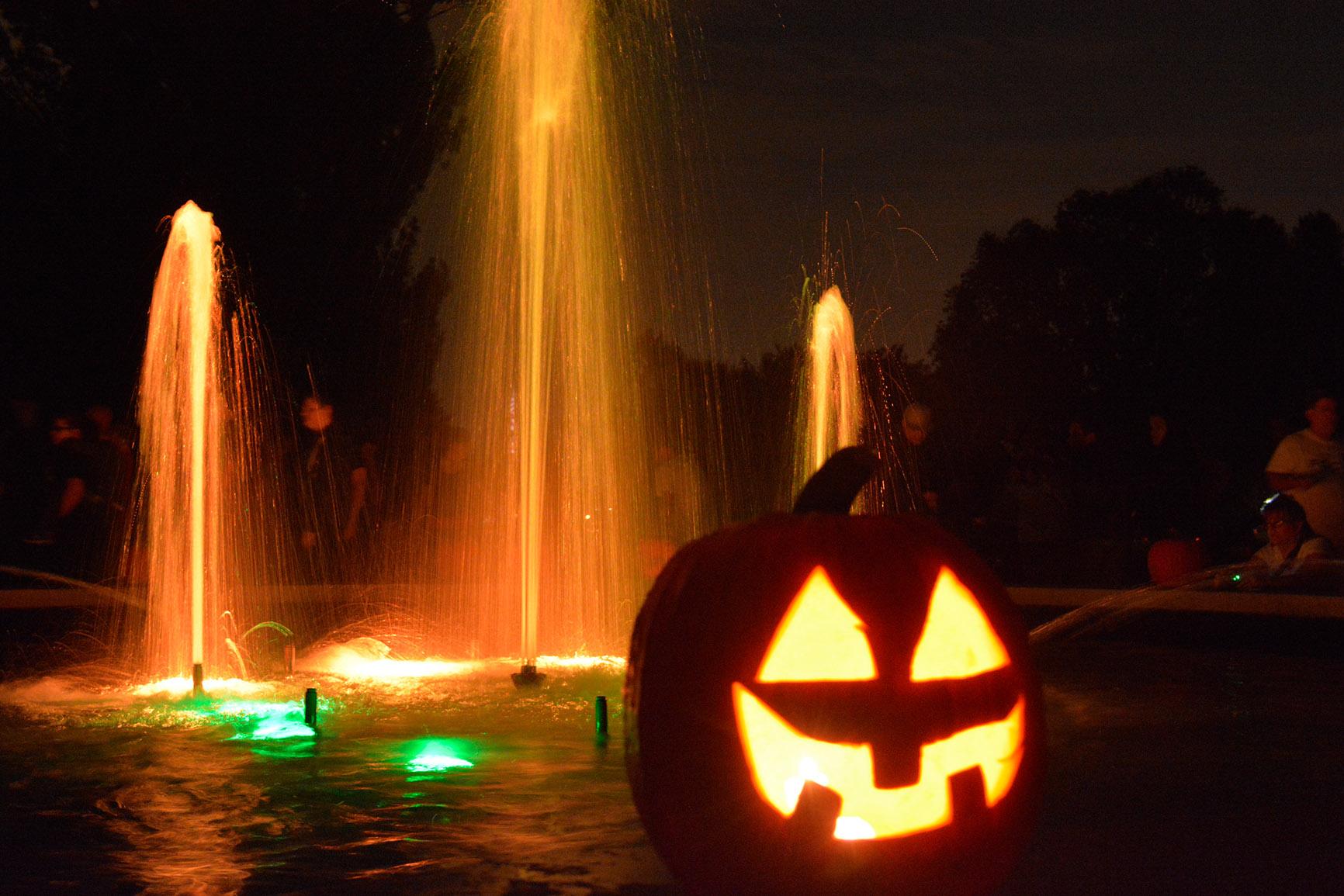 Pumpkin-Walk-at-Twilight